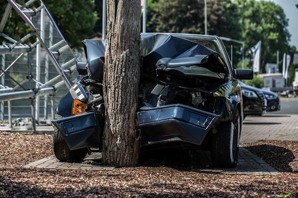 На сколько процентов должен быть поврежден авто для признания тотала