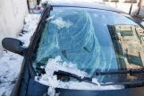 Что делать, если на автомобиль упала сосулька